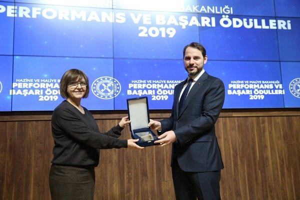 Son dakika: Hazine ve Maliye Bakanı Berat Albayrak 'Performans ve Başarı Ödülleri' mesajı 2