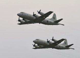 Pakistan'da uçaklar peş peşe havalandı! Türkiye Çin ve Azerbaycan'da gösterilere katılıyor
