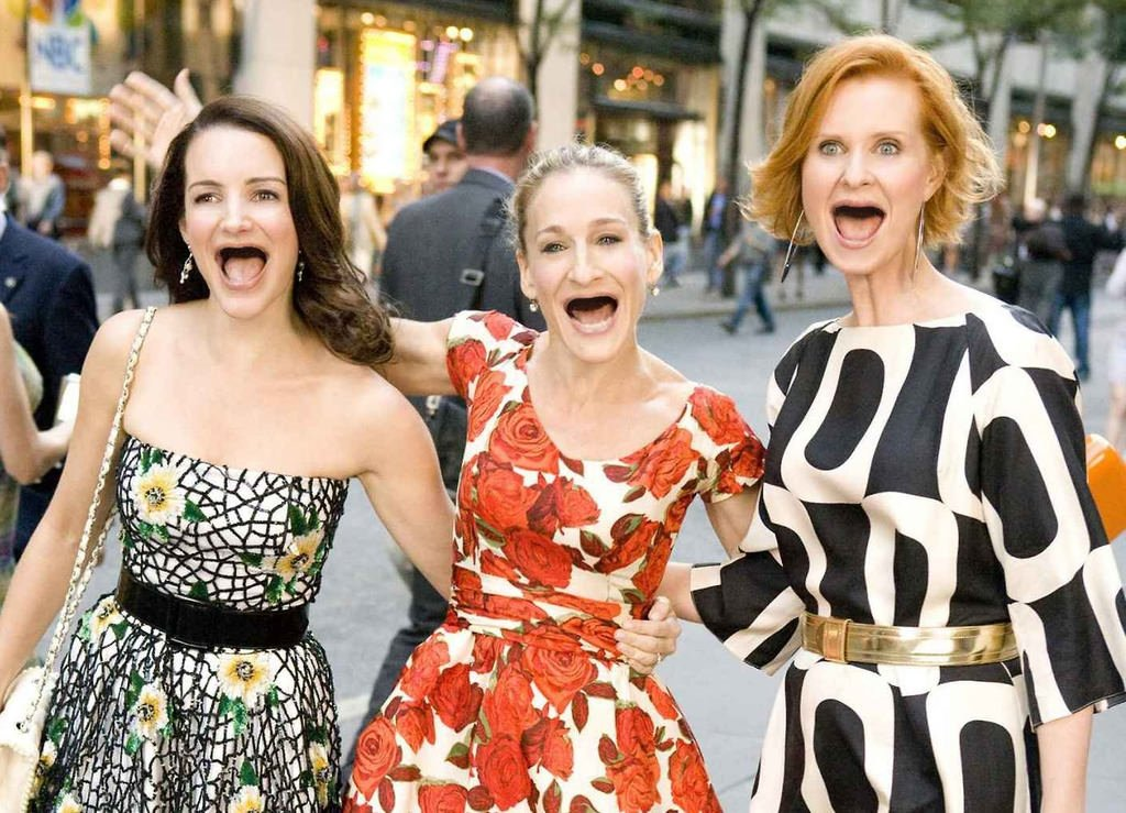 Sex and the city star kristin davis posts cast throwback photo, leaves out kim cattrall amid feud