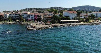 """Büyükada'da vatandaşlardan """"ücretli plaj"""" tepkisi"""