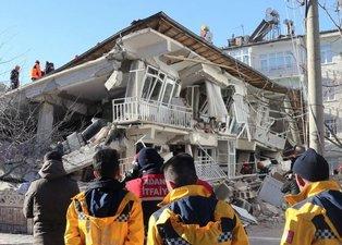 Dünya Elazığ'daki depremi böyle gördü!