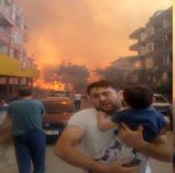 Son dakika: Hataydaki yangın felaketinin sembolü oldu! Türkiyenin konuştuğu o görüntülerin kahramanı baba alevlerden kaçış anını A Habere anlattı