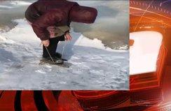Yaşlı kadın her gün patenle buz tutan gölü geçiyor!