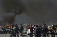 Kabil'de camiye intihar saldırısı: Çok sayıda ölü var