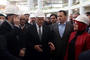 Yıldırım, Beyoğlu'nda esnafı ziyaret etti
