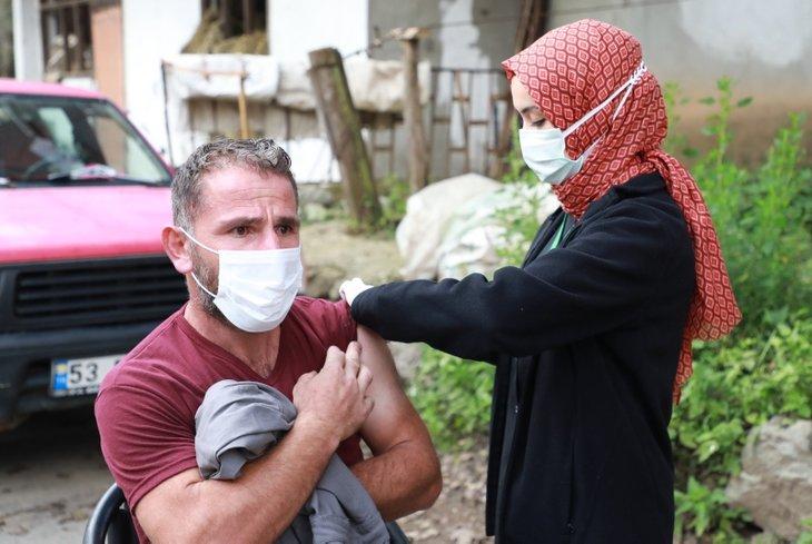Alerji endişesi nedeniyle Kovid-19 aşısı yaptırmayanlara uzmanlardan önemli tavsiye! Milyonda 1 ihtimal