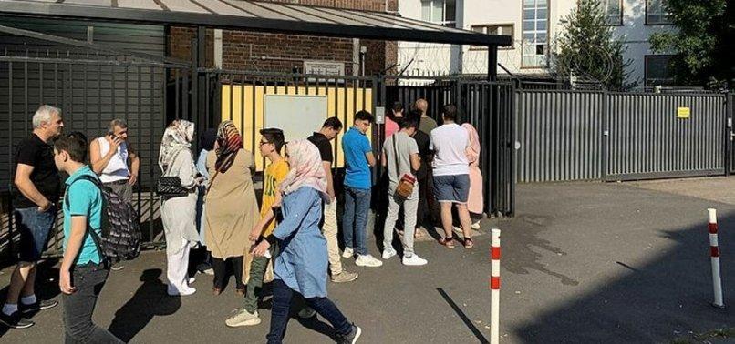 RESMİ GAZETE'DE YAYIMLANDI! 'BORÇLANARAK EMEKLİLİK' İÇİN AKIN ETTİLER