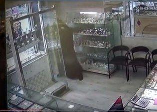 Bursa'da dehşet saçan çarşaflı gaspçılar suç makinesi çıktı