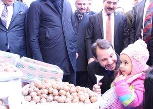 Bakan Albayrak'tan İzmir'de esnaf ziyareti!