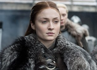 Game Of Thrones'un Sansa Stark'ı Sophie Turner sosyal medyayı salladı