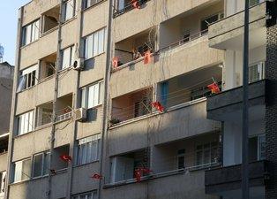 Hatay'daki terör saldırının ardından bu sabah! Vatandaşlardan 'Türk bayraklı' tepki