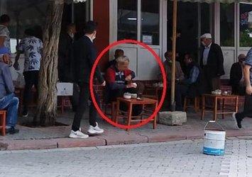 Kütahya'da husumetlisini bıçaklayıp kaçan adam kahvede çay içerken yakalandı