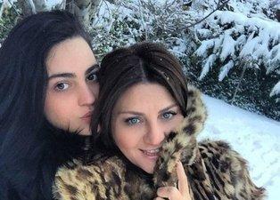 Sibel Can ve kızı Melisa Ural yeni fotoğraflarıyla olay oldu!