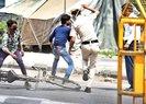 Hindistan polisi koronavirüsle mücadelede sokağa çıkanları demirle dövdü