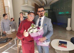 Bodrum'da tatil yapan Jean Claude Van Damme çiçeklerle karşılandı