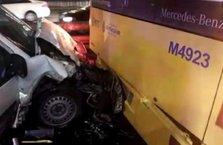 Metrobüs yolunda kaza!