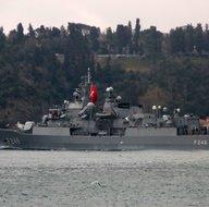 NATO savaş gemileri İstanbul Boğazından geçti