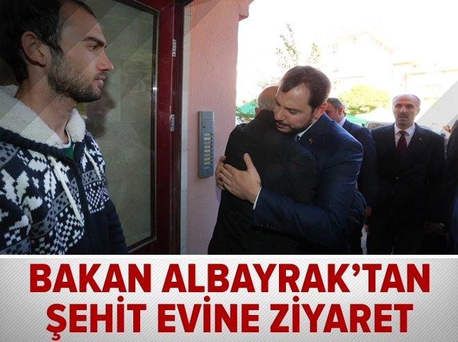 Bakan Albayrak'tan şehit evine ziyaret