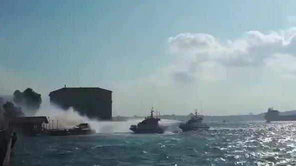 İstanbul Boğazı'nda tekne yangı