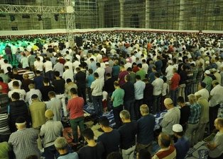 Mevlid Kandili ne zaman? Mevlid Kandili'nde neler yapılır? Mevlid Kandili'nde hangi ibadetler yapılır?