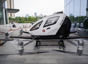 Çin'den bir müthiş hamle daha! İnsan taşıyan dronelar seferlerine başladı