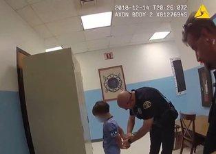 İnfial yaratan görüntüler! ABD polisinden engelli çocuğa ters kelepçe