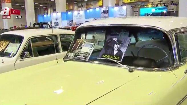 Yeşilçam'ın usta ismi Sadri Alışık'ın aracına yoğun ilgi