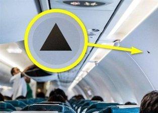 Uçaklardaki bu siyah üçgenin ne anlama geldiğini biliyor musunuz?