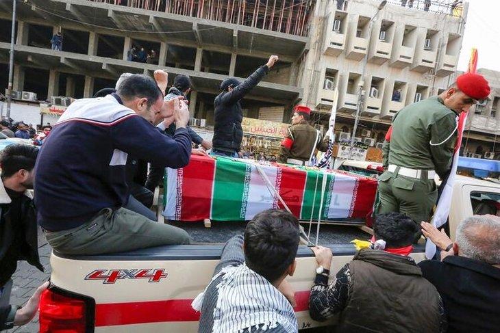 Süleymani'nin cenazesinden kareler! Meydanları inleten slogan