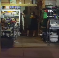Garaj kapısını açık bıraktı! Dev timsah...