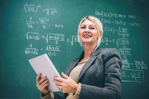Öğretmenlere bin 130 TL