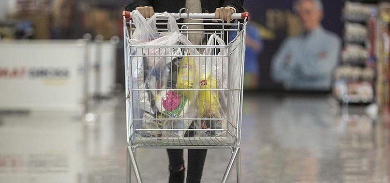 af059538573f2 Çevrenin korunmasına yönelik kanuna göre plastik alışveriş poşetleri  tüketiciye en az 25 kuruştan satılacak. Plastik poşetleri ücretsiz veren  satış ...