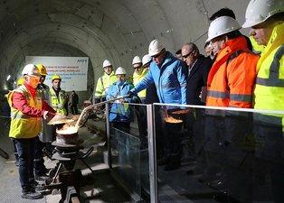Başkan Erdoğan, Gayrettepe-İstanbul Havalimanı Metro Projesi ilk ray kaynağını yaptı