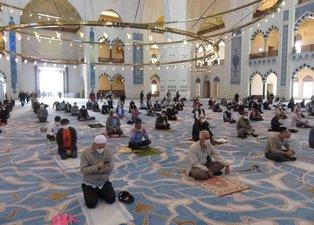 Son dakika: Çamlıca Camii'nde günler sonra Cuma namazı! İşte alınan tedbirler ve ilk kareler