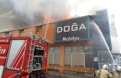 Ataşehir'de fabrika yangını! Yaralılar var