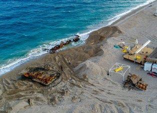 O gemi 83 yıl önce sulara gömülmüştü! Dev batık yeniden gün yüzü gördü
