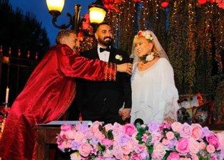 Zerrin Özer sevgilisi Murat Akınca ile sürpriz şekilde evlendi