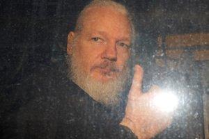 Julian Assange cephesinden açıklama! Julian Assange neden kaçtı?