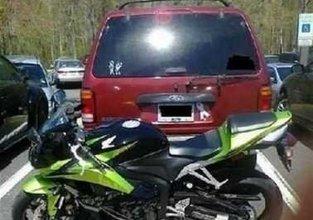 Arabalarını hatalı park edince bedelini ağır ödediler