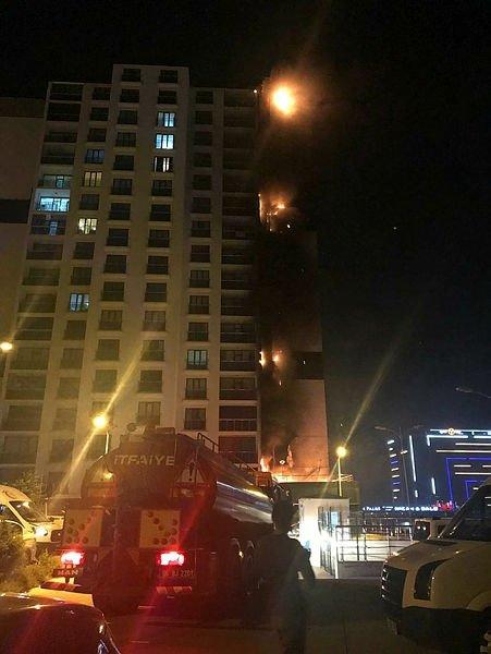 Ankara'da 16 katlı binada korkutan yangın ile ilgili görsel sonucu