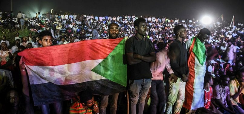 SUDAN'DA GÖRÜŞMELER ASKIYA ALINDI