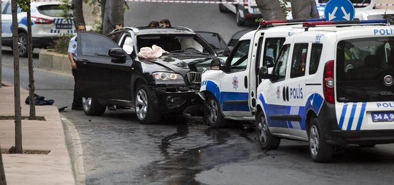İSTANBUL'DA POLİSE SİLAHLA SALDIRI