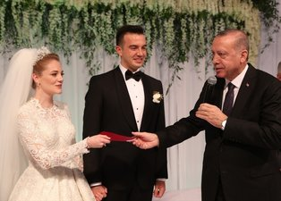 Başkan Recep Tayyip Erdoğan nikah töreninde şahitlik yaptı