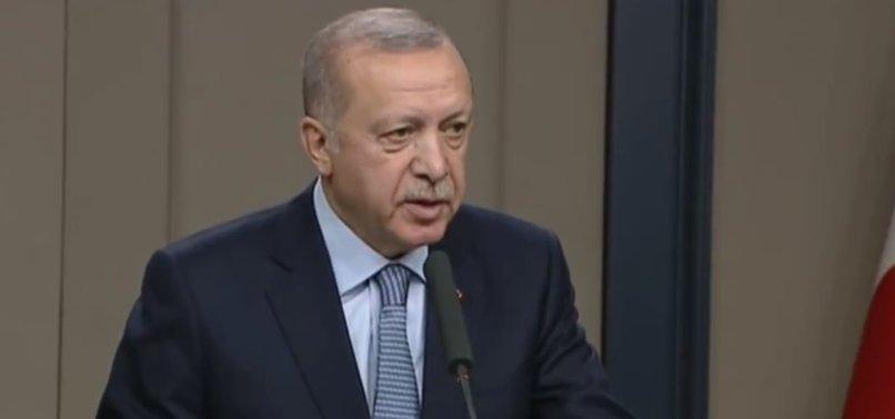 Başkan Erdoğan'dan Macron'a sert tepki: O teröristlerle görüşüyor