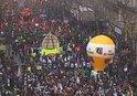 FRANSA'DA HAYAT DURDU! FRANSA TARİHİNİN EN BÜYÜK GREVİ