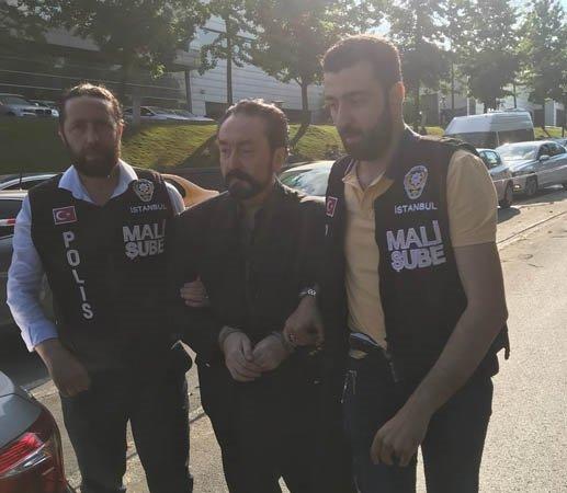ADNAN OKTAR POLİSİ GÖRÜNCE KAÇTI! OPERASYONDAN ŞOKE EDEN DETAYLAR...