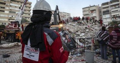 İzmir depreminde hayatını kaybeden Ege Ilgaz Yüksel'den geriye mezuniyet fotoğrafları kaldı