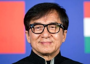 Jackie Chan koronavirüs nedeniyle karantinaya alındı
