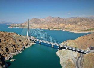 Kömürhan Köprüsü 16 şehri birbirine bağlıyor! Uzun yol şoförleri hayran kaldı