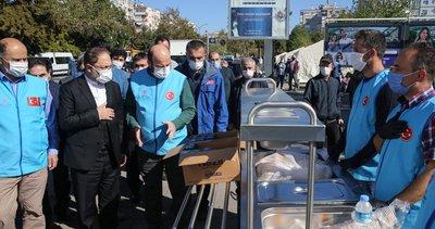 Diyanet İşleri Başkanı Erbaş İzmir'deki depremzedeleri ziyaret etti